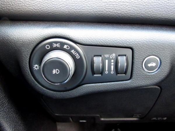 Chrysler 200 2016 $16499.00 incacar.com