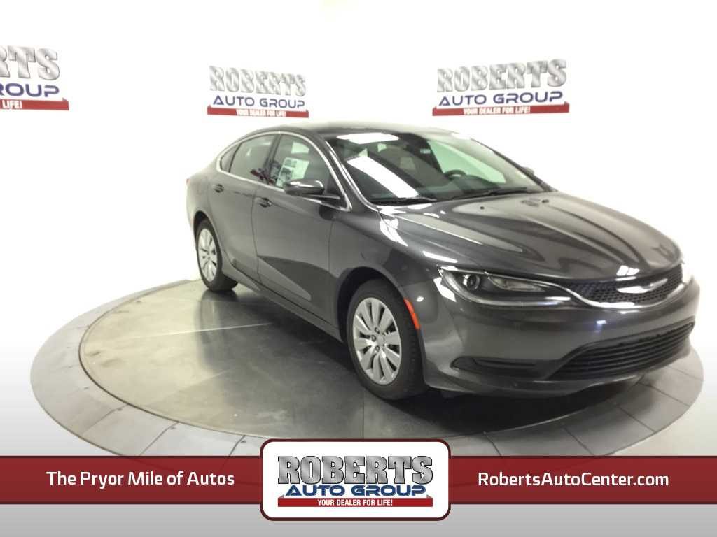 Chrysler 200 2016 $19395.00 incacar.com