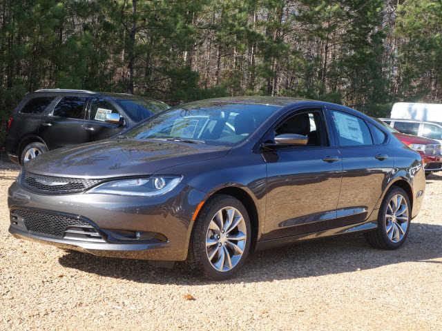 Chrysler 200 2016 $17995.00 incacar.com