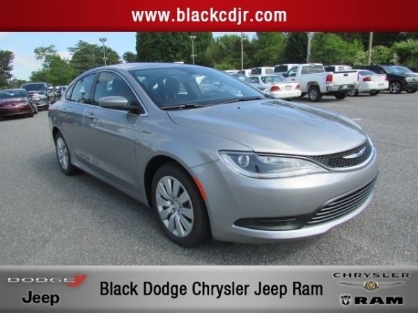 Chrysler 200 2016 $17500.00 incacar.com