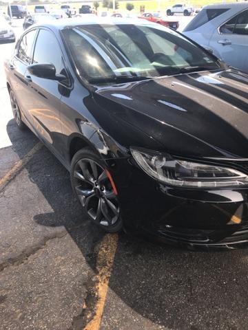 Chrysler 200 2016 $16995.00 incacar.com