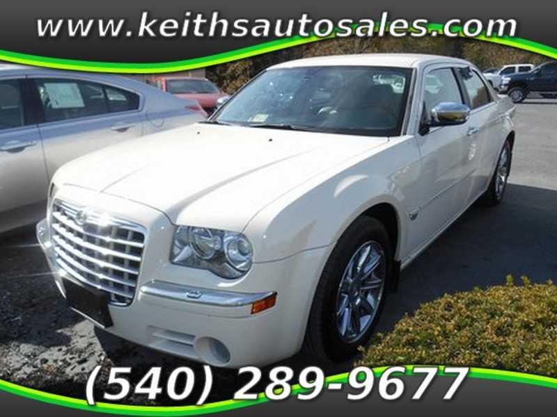 Chrysler 300C 2005 $9750.00 incacar.com