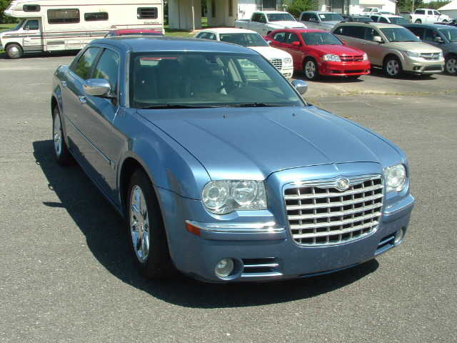 Chrysler 300C 2007 $9500.00 incacar.com