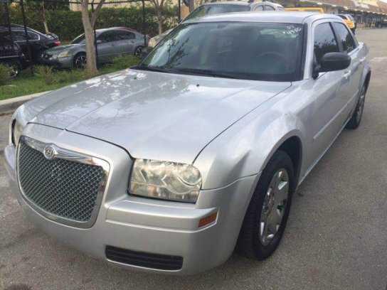 Chrysler 300C 2007 $2950.00 incacar.com