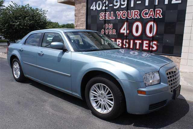 Chrysler 300C 2008 $6495.00 incacar.com