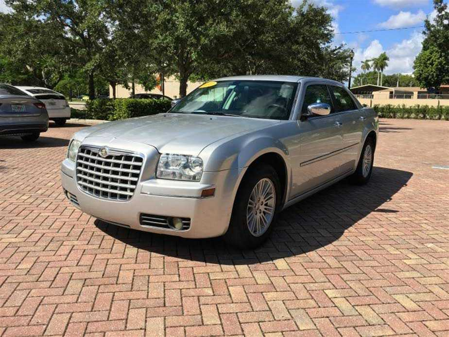 Chrysler 300C 2010 $6995.00 incacar.com