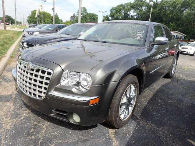 Chrysler 300C 2010 $11500.00 incacar.com