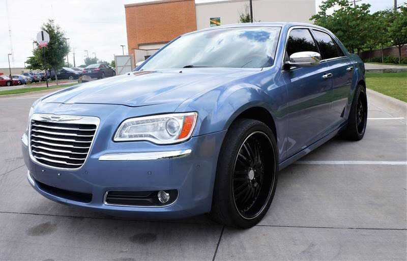 Chrysler 300C 2011 $8995.00 incacar.com