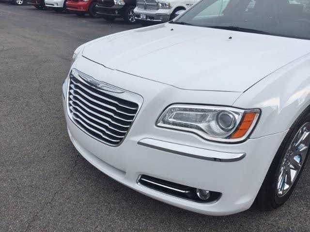 Chrysler 300C 2012 $14995.00 incacar.com