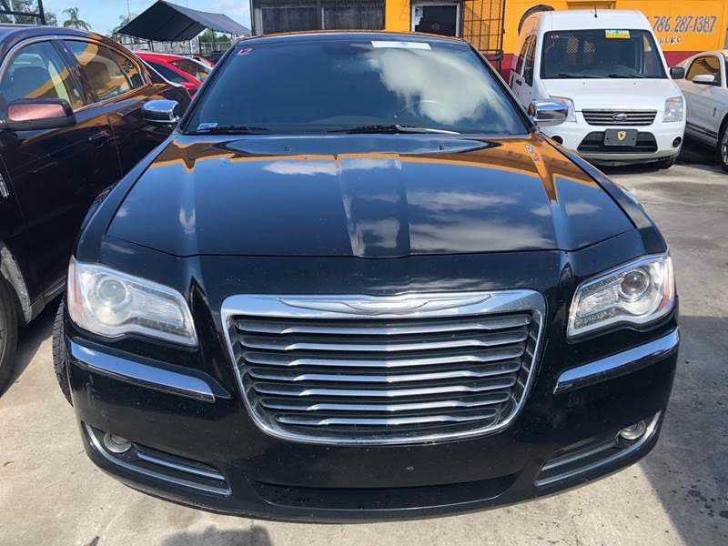 Chrysler 300C 2012 $6300.00 incacar.com