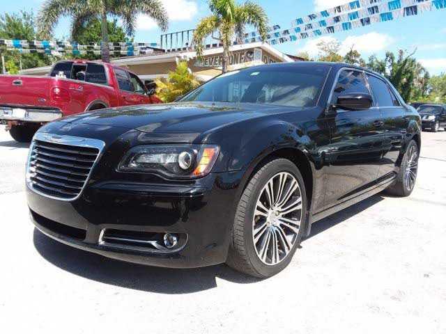 Chrysler 300C 2013 $22990.00 incacar.com