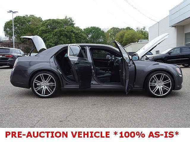 Chrysler 300C 2013 $6995.00 incacar.com