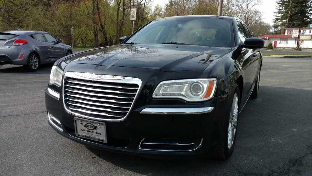 Chrysler 300C 2014 $4800.00 incacar.com