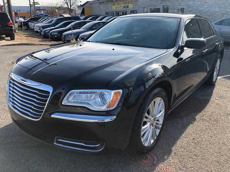 Chrysler 300C 2014 $5995.00 incacar.com