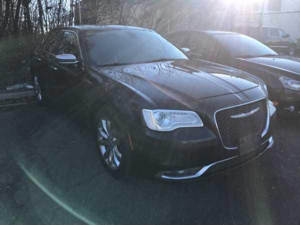 Chrysler 300C 2015 $9000.00 incacar.com