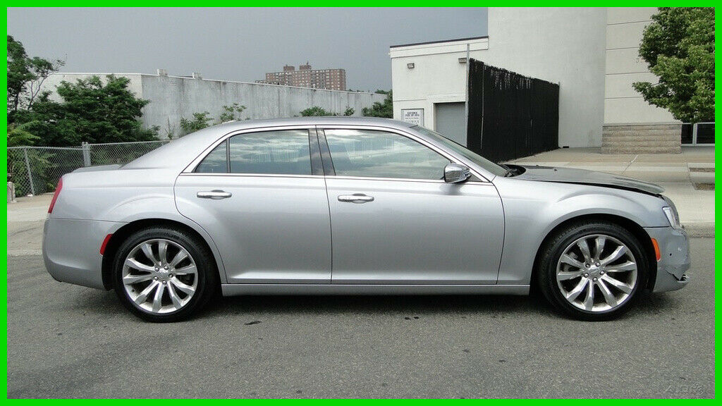 used Chrysler 300C 2015 vin: 2C3CCAETXFH802254