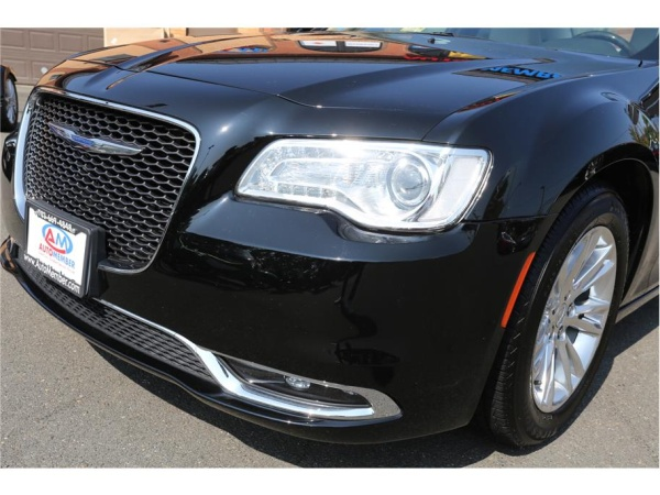 Chrysler 300C 2015 $22677.00 incacar.com