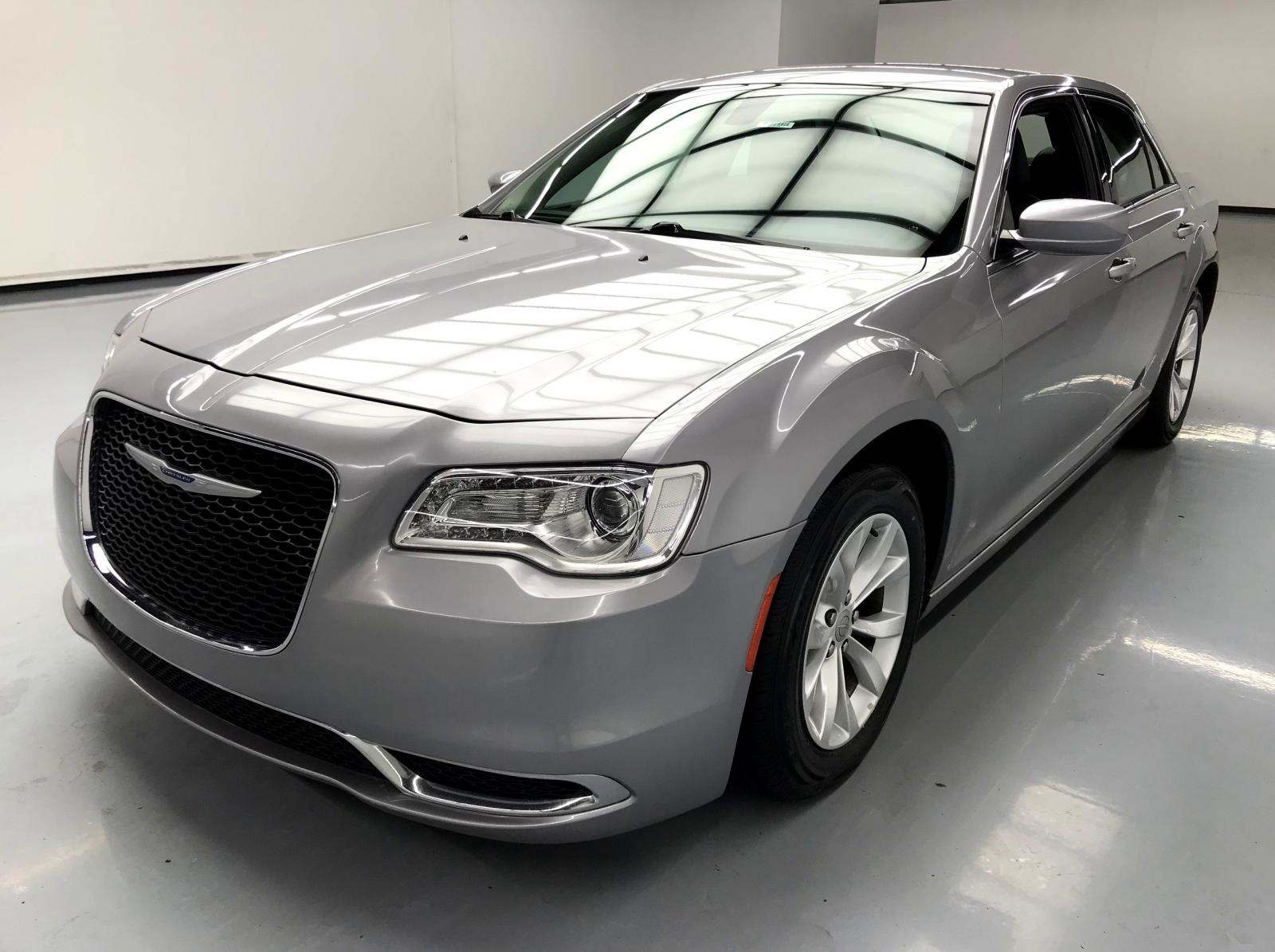 used Chrysler 300C 2015 vin: 2C3CCAAG6FH891801