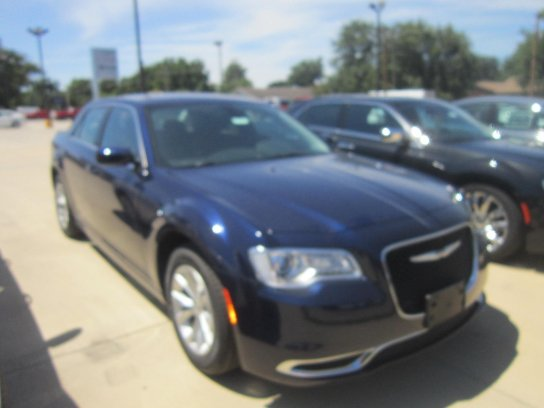 Chrysler 300C 2015 $22900.00 incacar.com