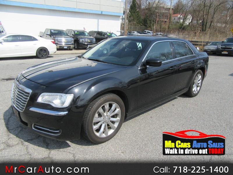 Chrysler 300C 2016 $8900.00 incacar.com