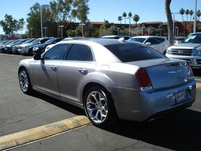 Chrysler 300C 2017 $16999.00 incacar.com