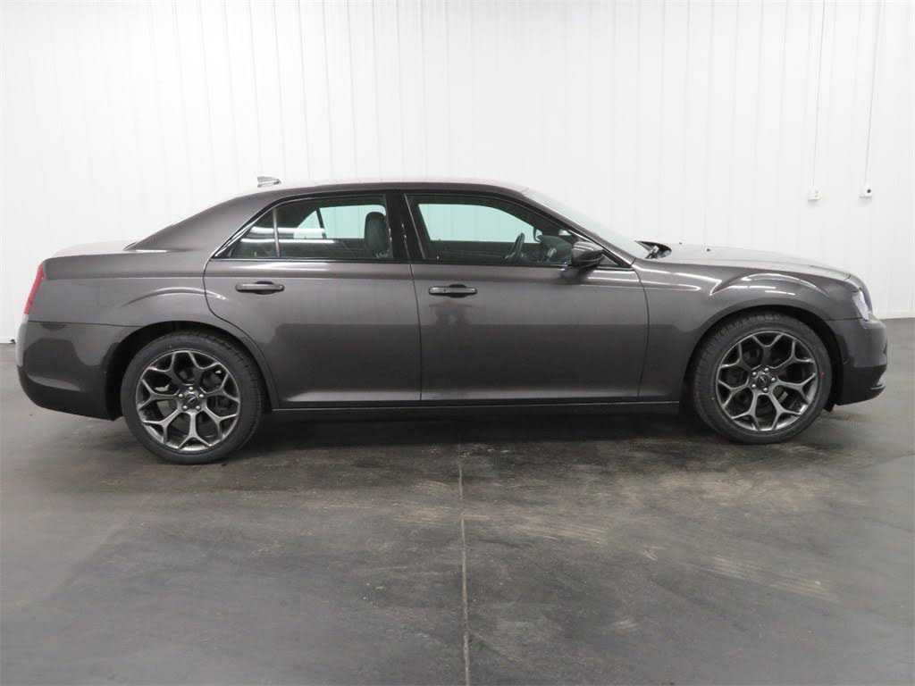 Chrysler 300C 2017 $21999.00 incacar.com