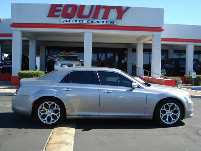Chrysler 300C 2017 $16999.00 incacar.com