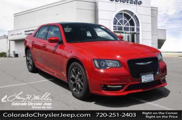 Chrysler 300C 2018 $42475.00 incacar.com