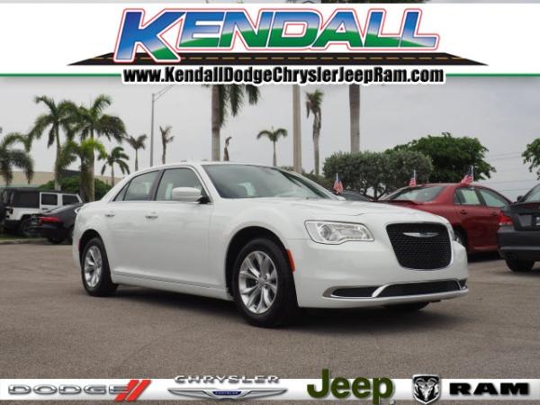 Chrysler 300C 2018 $20900.00 incacar.com