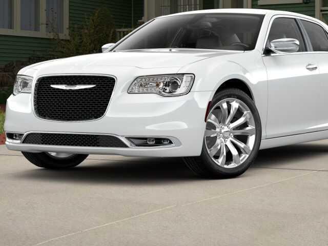 Chrysler 300C 2018 $36265.00 incacar.com