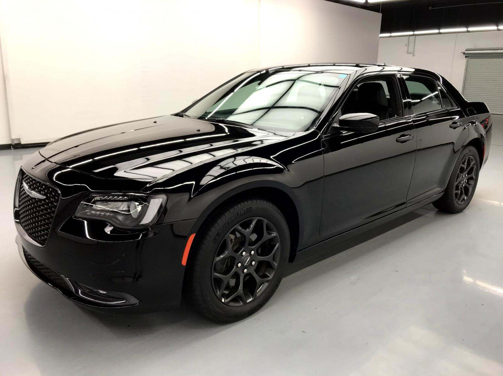 used Chrysler 300C 2019 vin: 2C3CCAGG6KH586400