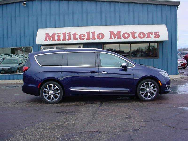 Chrysler Pacifica 2017 $33995.00 incacar.com