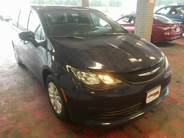 Chrysler Pacifica 2018 $18980.00 incacar.com
