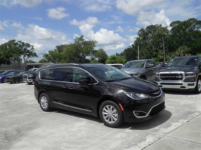 Chrysler Pacifica 2018 $31480.00 incacar.com