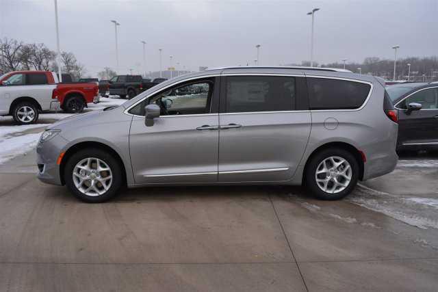 Chrysler Pacifica 2018 $32990.00 incacar.com