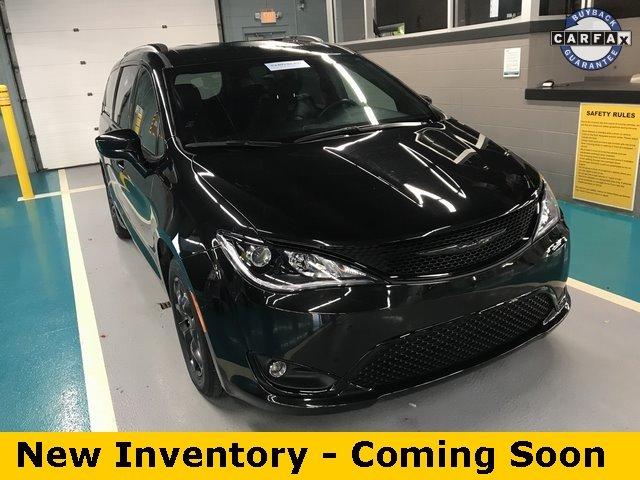used Chrysler Pacifica 2018 vin: 2C4RC1BG6JR318338