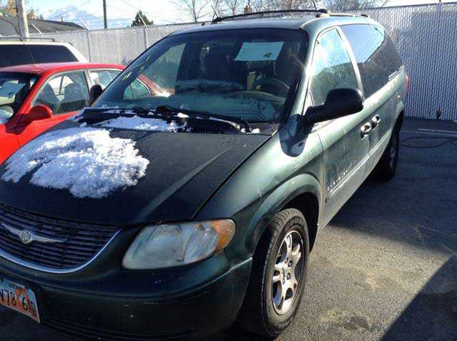 Chrysler TOWN & COUNTRY 2001 $900.00 incacar.com
