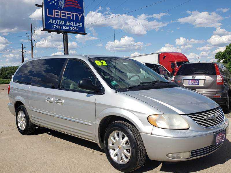 Chrysler TOWN & COUNTRY 2002 $1500.00 incacar.com