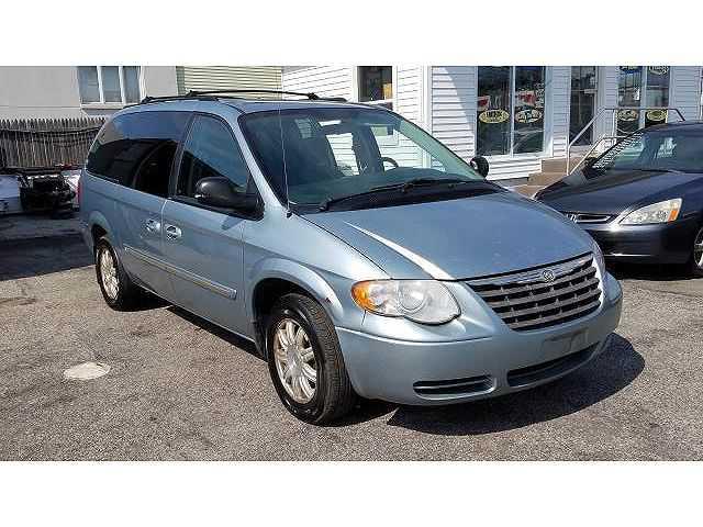 Chrysler TOWN & COUNTRY 2005 $2475.00 incacar.com