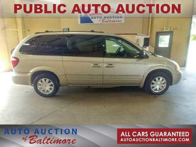 Chrysler TOWN & COUNTRY 2005 $1200.00 incacar.com