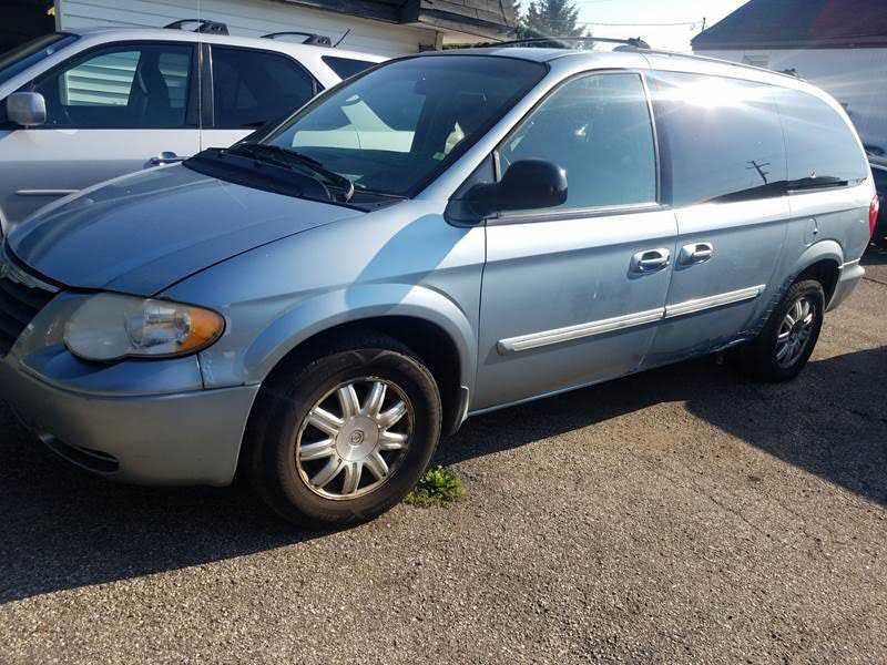 Chrysler TOWN & COUNTRY 2005 $1699.00 incacar.com