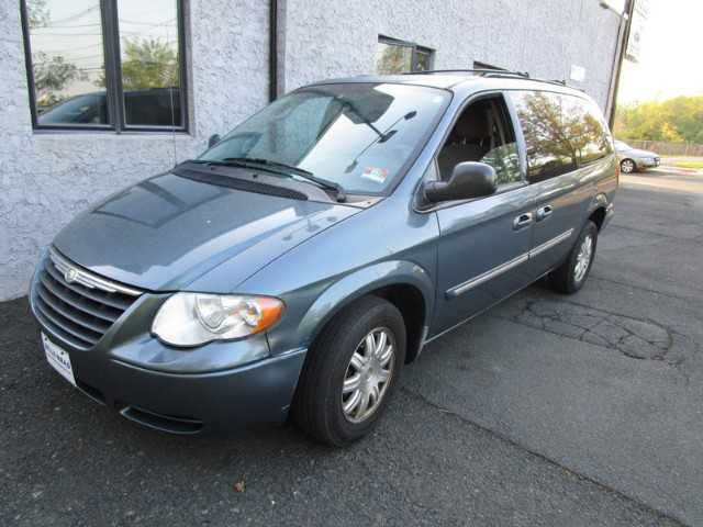 Chrysler TOWN & COUNTRY 2006 $3995.00 incacar.com