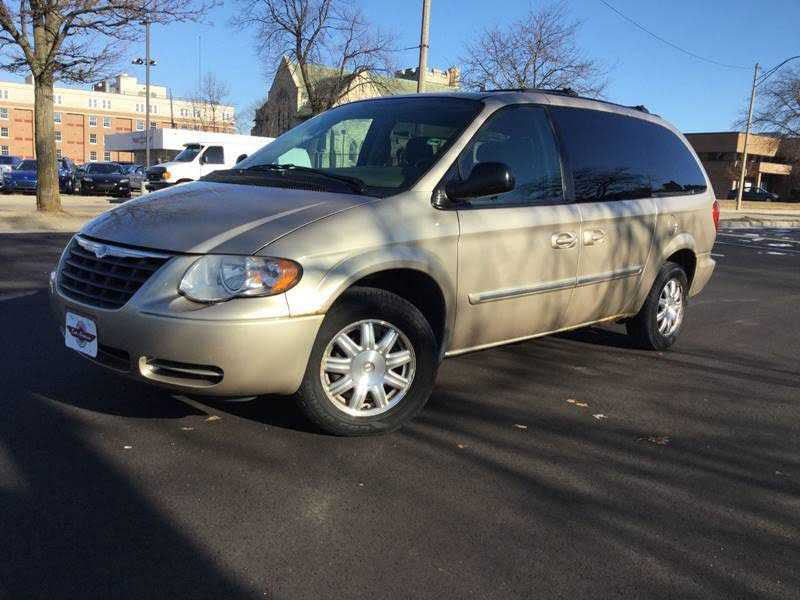 Chrysler TOWN & COUNTRY 2006 $1990.00 incacar.com