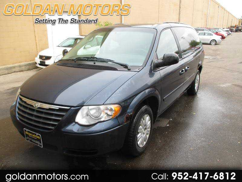 used Chrysler TOWN & COUNTRY 2007 vin: 2A4GP44RX7R285553