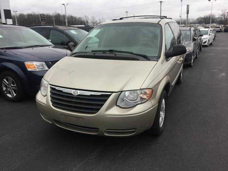 Chrysler TOWN & COUNTRY 2007 $4500.00 incacar.com