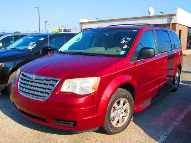 Chrysler TOWN & COUNTRY 2010 $8500.00 incacar.com