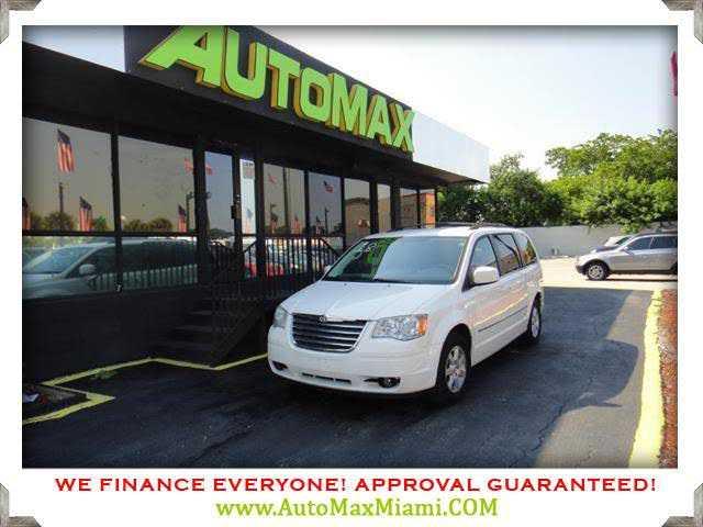 Chrysler TOWN & COUNTRY 2010 $4700.00 incacar.com