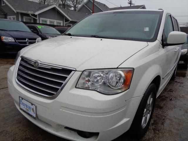 Chrysler TOWN & COUNTRY 2010 $5295.00 incacar.com