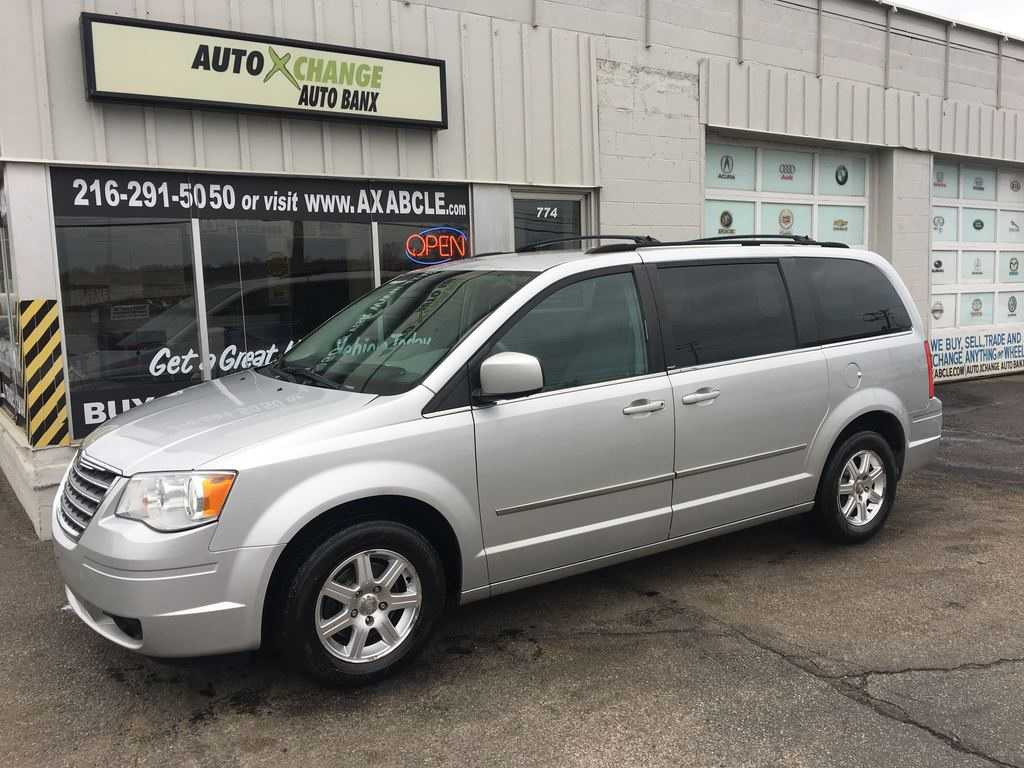 Chrysler TOWN & COUNTRY 2010 $3555.00 incacar.com