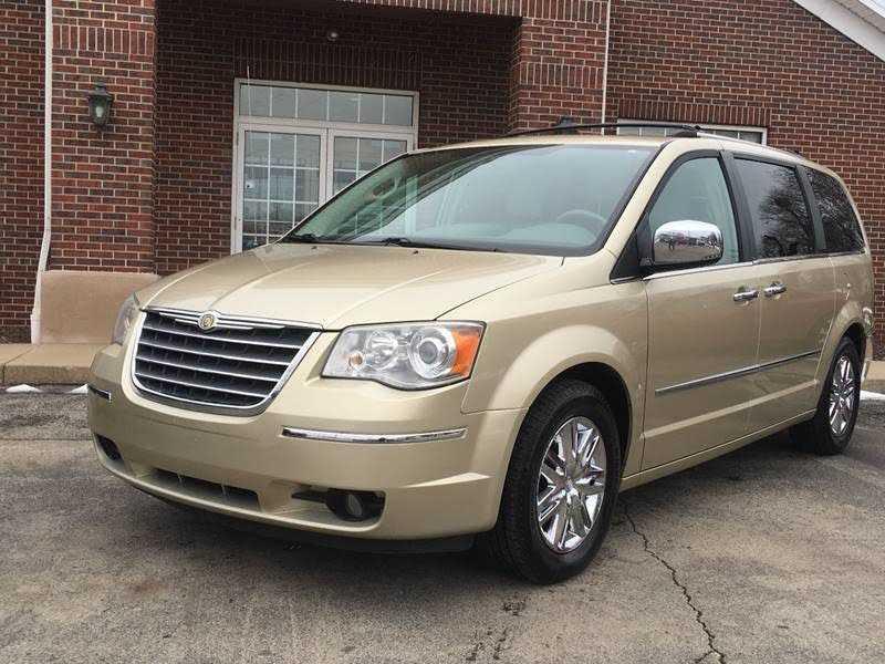 Chrysler TOWN & COUNTRY 2010 $4995.00 incacar.com